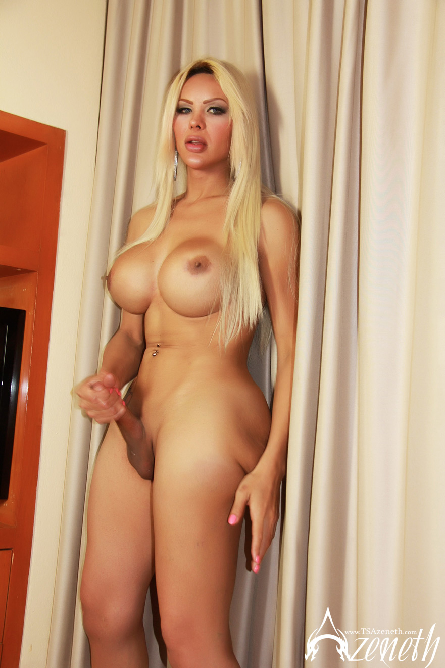Large naked breasts-3804