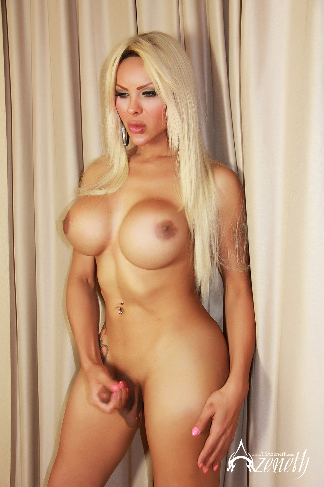from Ishaan tranny tube blonde
