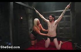Super tits tranny sucks huge cock